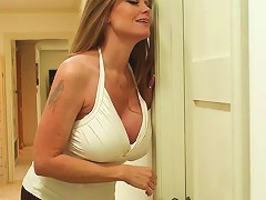 Sexy Mature Whore Darla Crane Gives A Nice Blowjob
