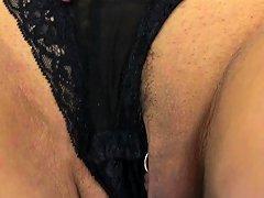 English Milf Eva May Dildos Her Shaven Fanny Drtuber