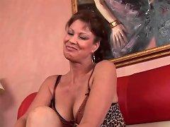 Hot Cougar Rubs Her Twat Before Sex