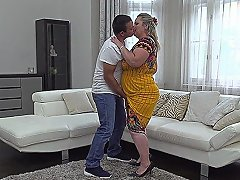 Chubby Housewife Summer Doing Her Toyboy